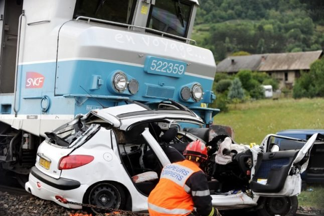 Why are level crossings in France so deadly?
