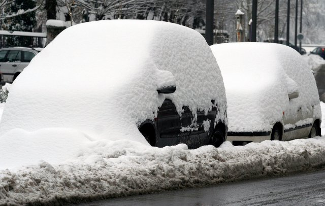 Avalanche warnings as Valais recovers from record snowfall