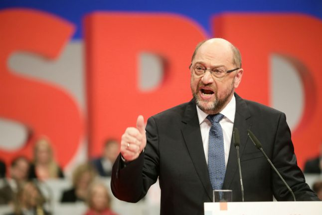 SPD leader Schulz calls for 'United States of Europe' by 2025