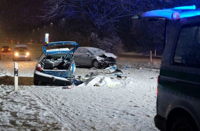 2 dead and over 400 road accidents after wintry conditions hit Bavaria