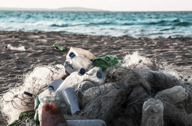 Tonnes of waste washed up on Norway's shores annually