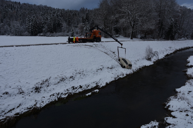 Heavy snow disrupts Swiss roads, rails and airports