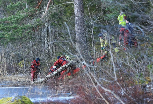Two ice skaters killed in accident on Swedish lake
