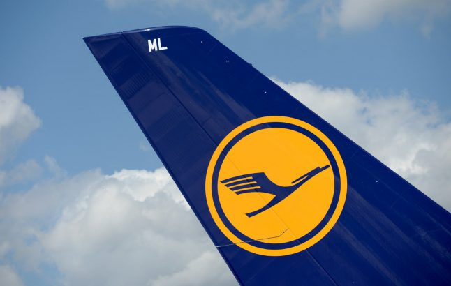 Lufthansa to hire 8,000 new workers in 2018
