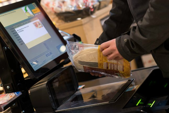 Germany discovers what self-check out is… 10 years after rest of the world