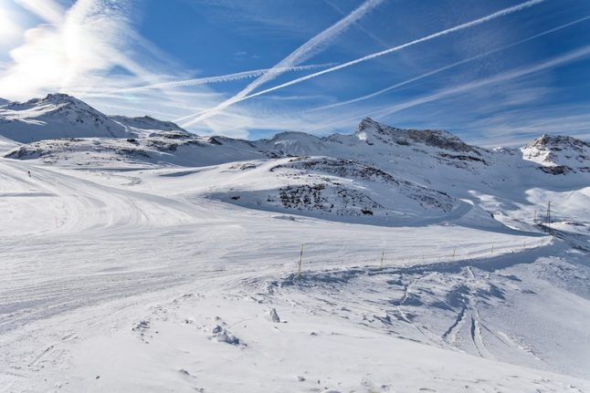 Ski resorts in Italian Alps reconnected after avalanche shutdown