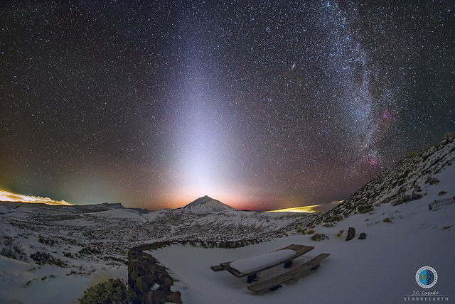 IN PICS: Mysterious glow lights up Spain's highest mountain