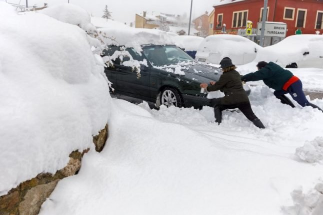 Snow brings chaos to roads across northern and central Spain