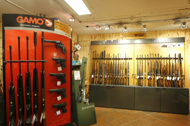 Norway to ban semi-automatic weapons