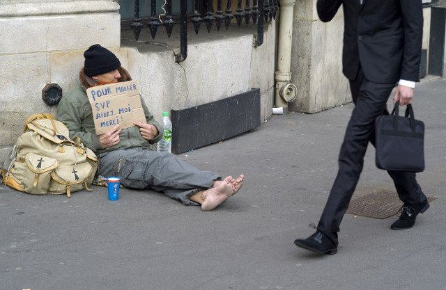 Paris counts 3,000 homeless living on its streets in first ever census