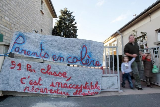 Fears in rural France over plans to close hundreds of school classes
