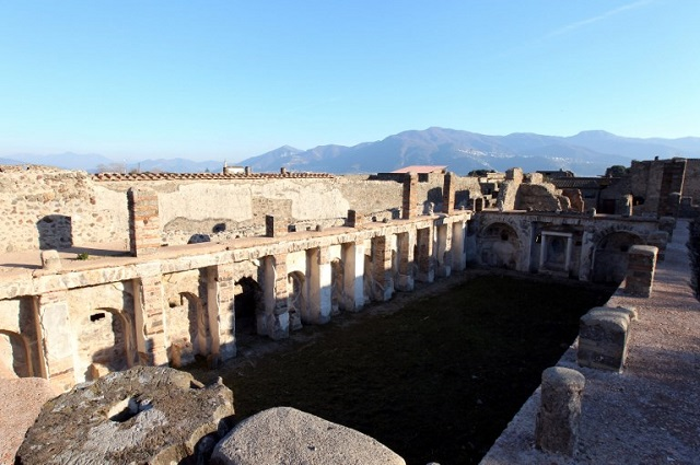 American tourist damaged Pompeii mosaic by shifting tiles 'to get a good photo'