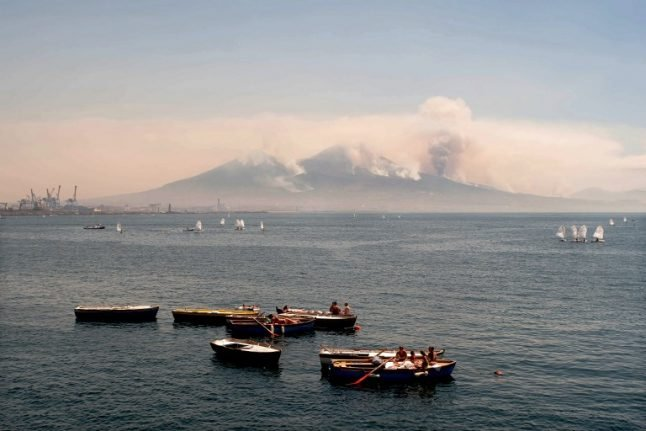 US submarine that fired on Syria not welcome in Naples, says mayor