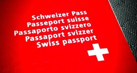Big drop registered in number of foreigners receiving Swiss citizenship