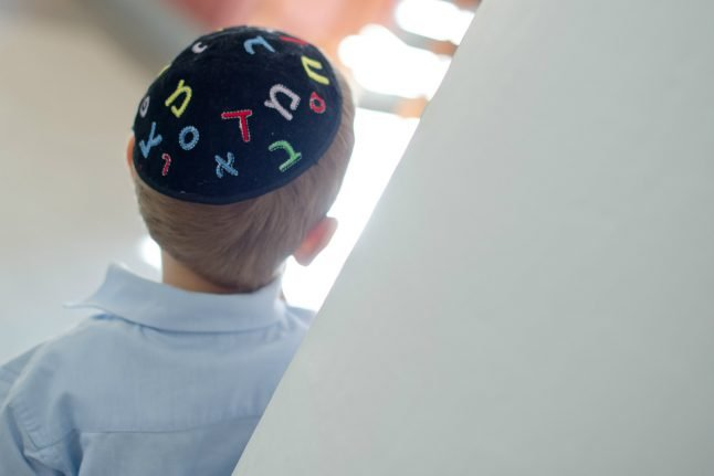 Police union calls for children to be taken away from anti-Semitic parents