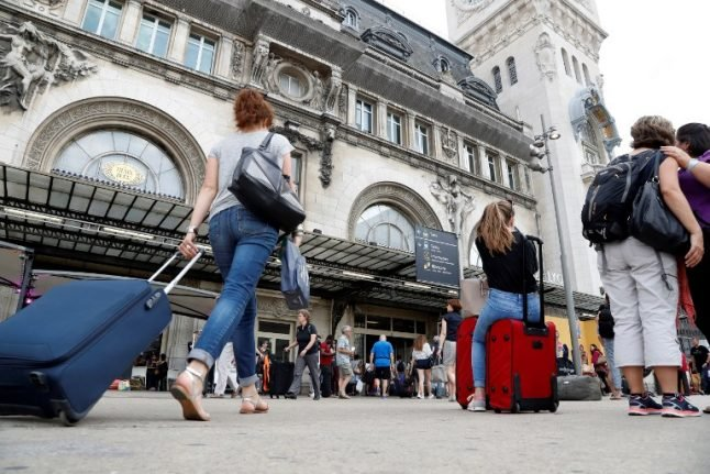 Travel agents in France lose half a million euros each day due to strikes
