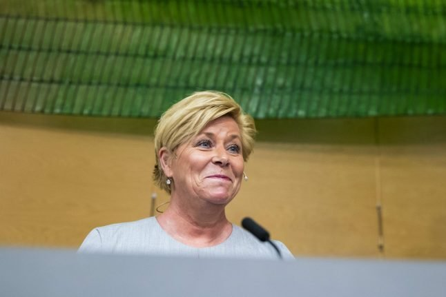 Norway pledges to spend less oil money in new budget