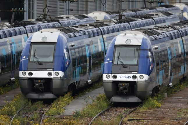 Does the French government really intend to privatize the railways?