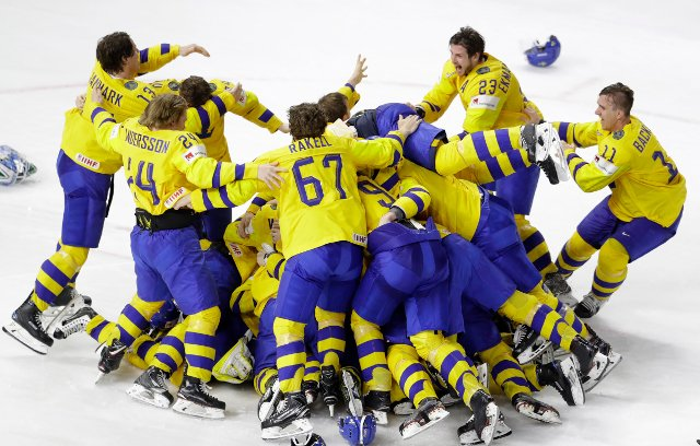 Sweden's hockey heroes to greet fans in Stockholm today