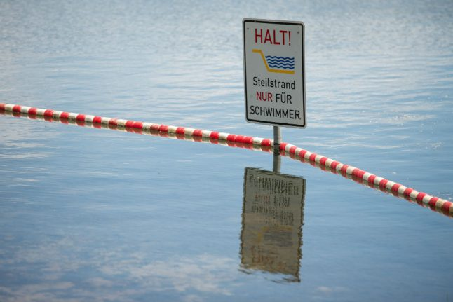 At least two deadly swimming accidents over summer-like weekend
