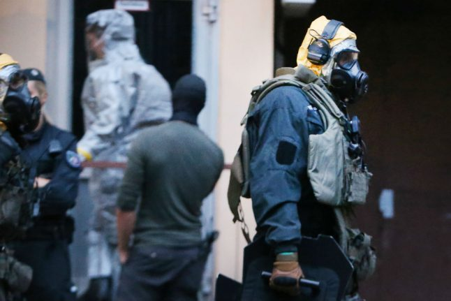 Tunisian man held in Cologne 'sought to build biological weapon'