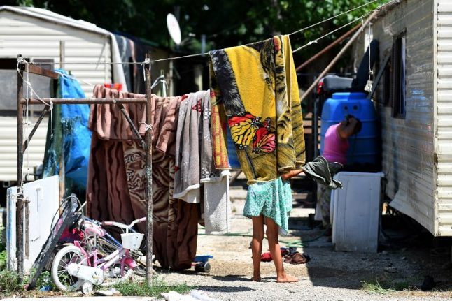 'Come and see how we live', Italy's Roma tell government