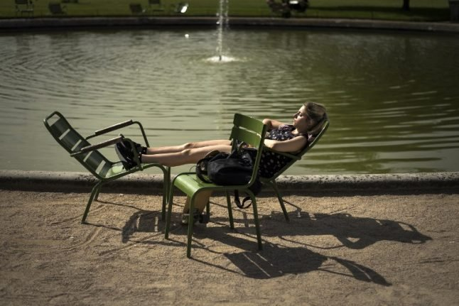 How to keep cool during France's heatwave (especially at work)
