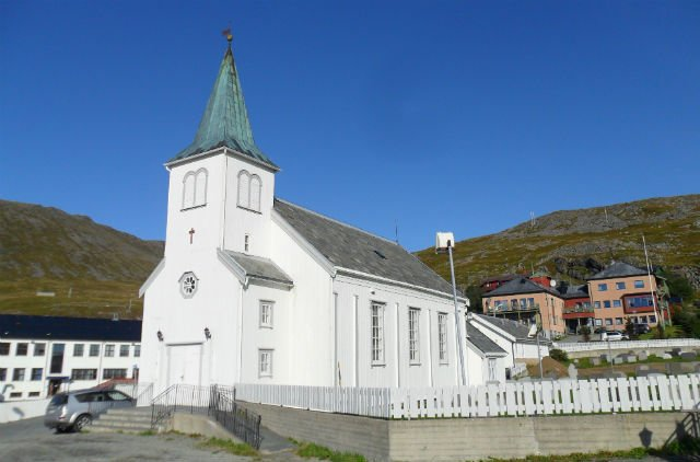 Tourists invade funeral in northern Norway