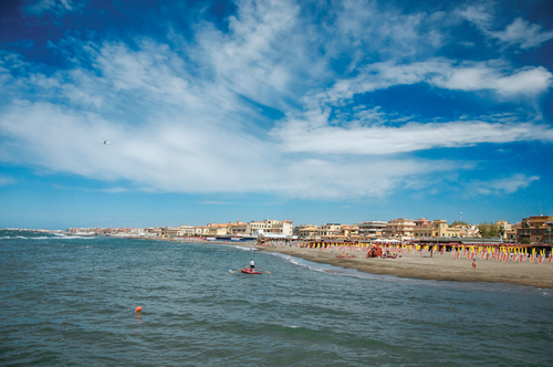 """""""Come to Ostia, you won't get headbutted"""": summer promo ad sparks controversy"""