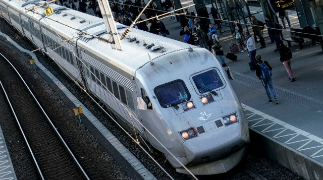 Heatwave causes more train cancellations in southern Sweden