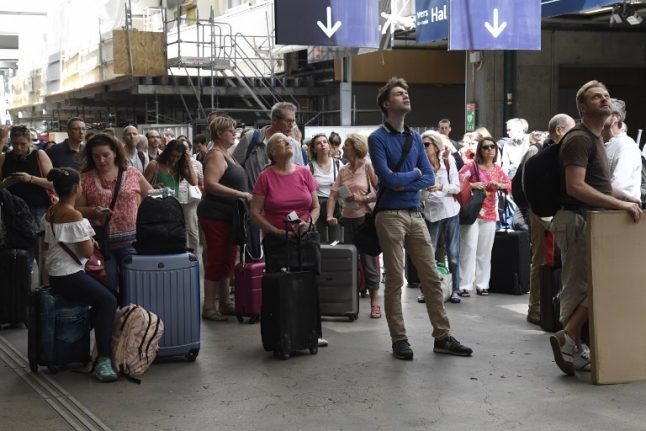 Five French rail stations and Paris airport at risk of major power outage