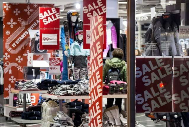 Know your consumer rights when shopping in Sweden