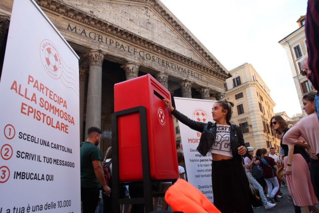 Postcards for Salvini: activists to deliver thousands of pro-migrant cards to Italy's Interior Minister