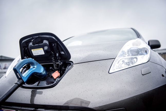 Denmark supports ending fossil fuel cars in EU by 2030