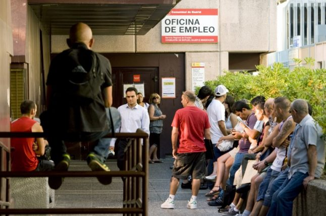 Minimum wage rise will cost 150,000 jobs: Bank of Spain