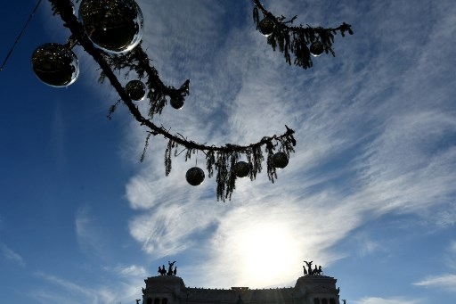 Rome's new Christmas tree has arrived and things aren't looking good