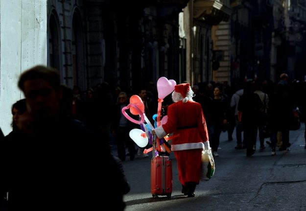 How to give back in Italy this Christmas