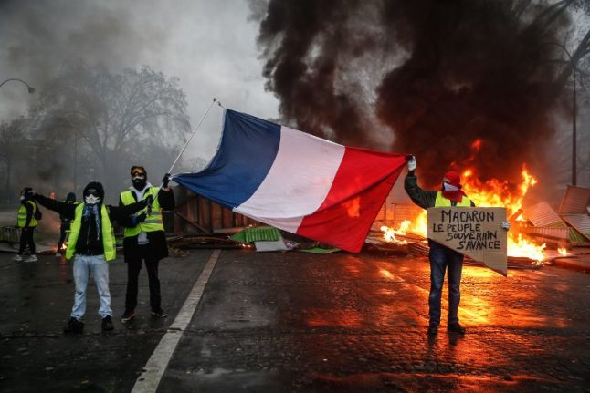 ANALYSIS: The yellow rebellion is threatening to engulf France - Macron must act