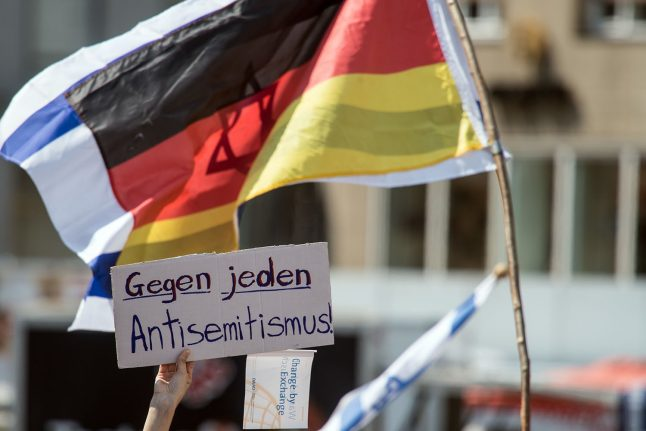 Germany steps up fight against anti-Semitism with new reporting centre