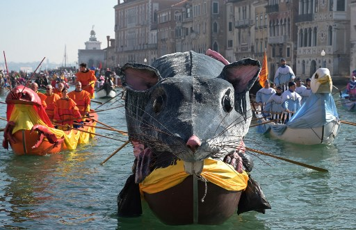 IN PHOTOS: Venice Carnival 2019 begins with a giant floating rat and tributes to the moon