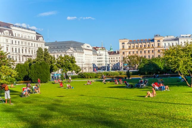Austrians fume over proposed 'half-day holiday'