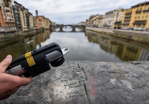 World's first graffiti-busting laser helps Florence's 'Angels'