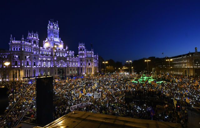 18,000 Catalan separatists protest in Madrid against trial