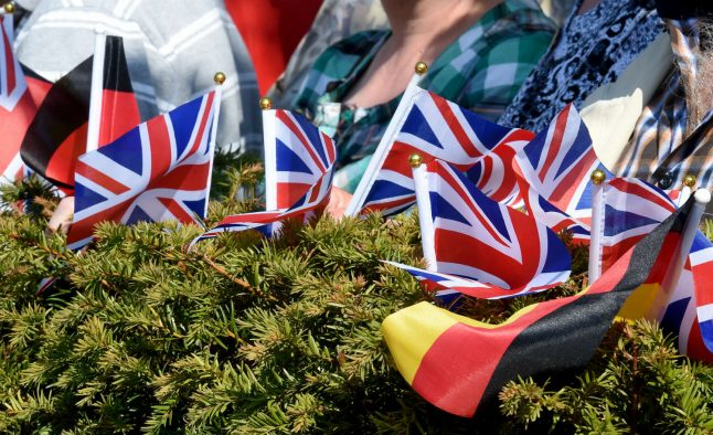 Brexit: Brits across Germany urged to apply for residence permit