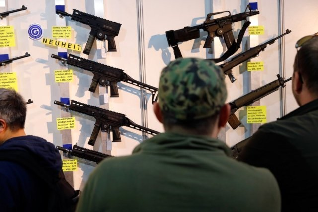 Swiss support for tougher gun laws on the rise: poll