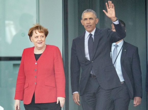 Obama meets with Merkel as part of Germany tour