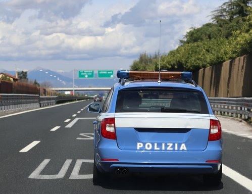 Italy to fine phone-using drivers up to €1,700 in safety crackdown