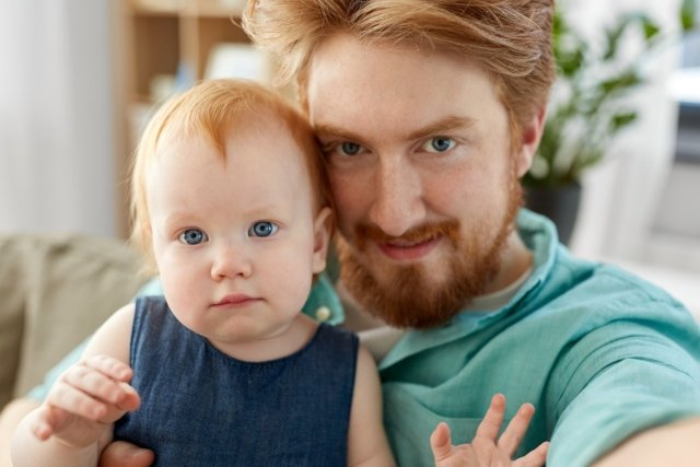 Swiss government rejects plans for statutory paternity leave