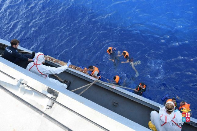 Italian navy rescues 100 people stranded in the Med