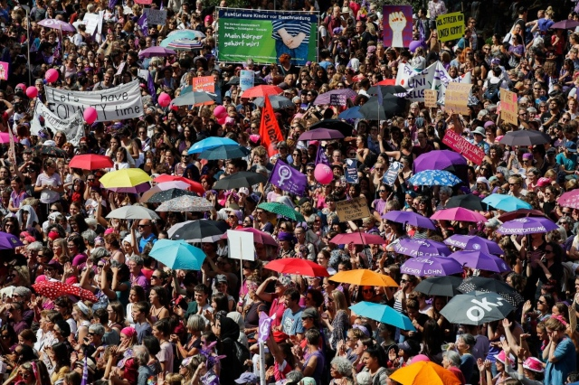 IN PICTURES: Women in Switzerland rise up in demand for equal pay